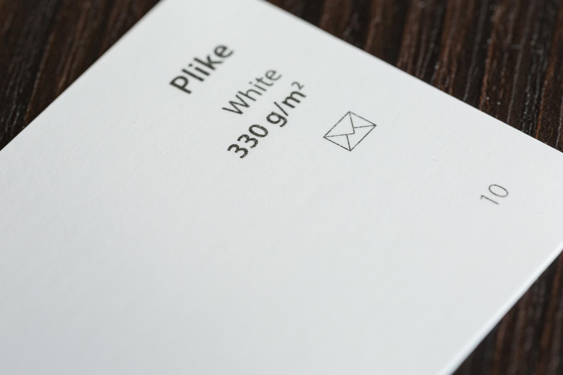 M Plike White